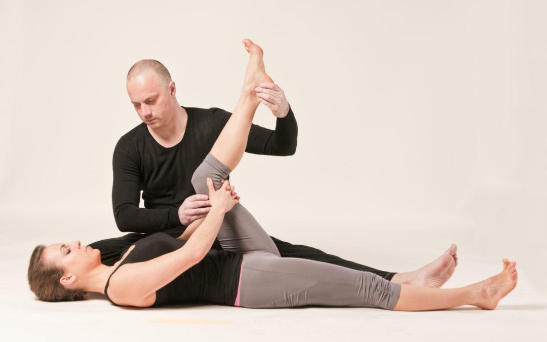 Cwiczenia jogi i leyngara