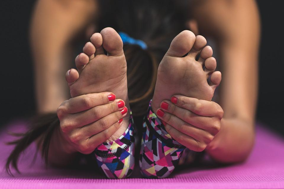 Joga dla kobiet żyjących z powikłaniami w rękach [arm morbidity] związanymi z rakiem sutka: wnioski z badania poszukiwawczego