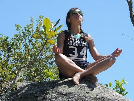 Joga jako terapia uzupełniająca dla dzieci i nastolatków – przewodnik dla klinicystów